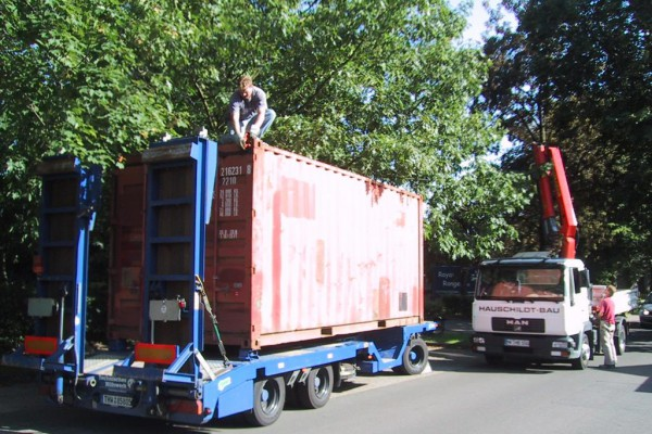 container-365A6FD6A-8CC8-B639-C8E4-A75156F31504.jpg