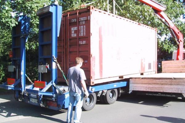 container-41ED999CE-7F43-24EC-9473-AE40C0AD0799.jpg
